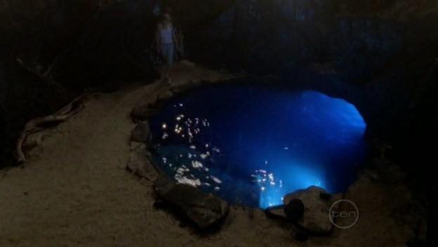 h2o_38_Лунный бассейн был сделан невероятно реалистичным