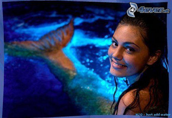 Клео в лунном бассейне