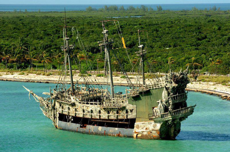 Корабль со съемок пиратов карибского моря