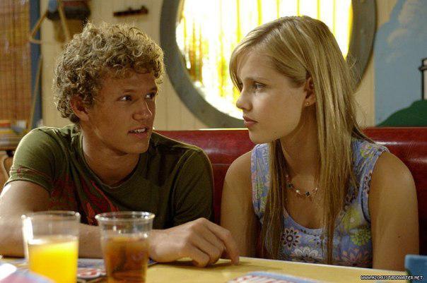 Эмма и ее парень в 1-м сезоне Байрон