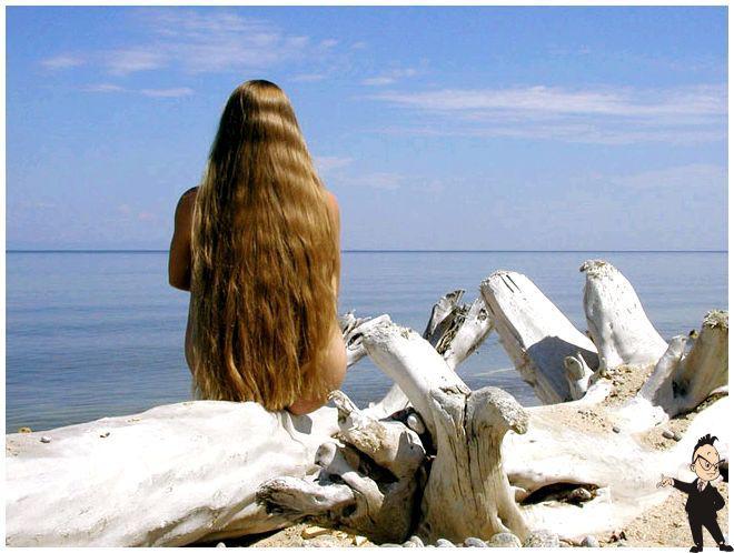 У русалок длинные красивые волосы