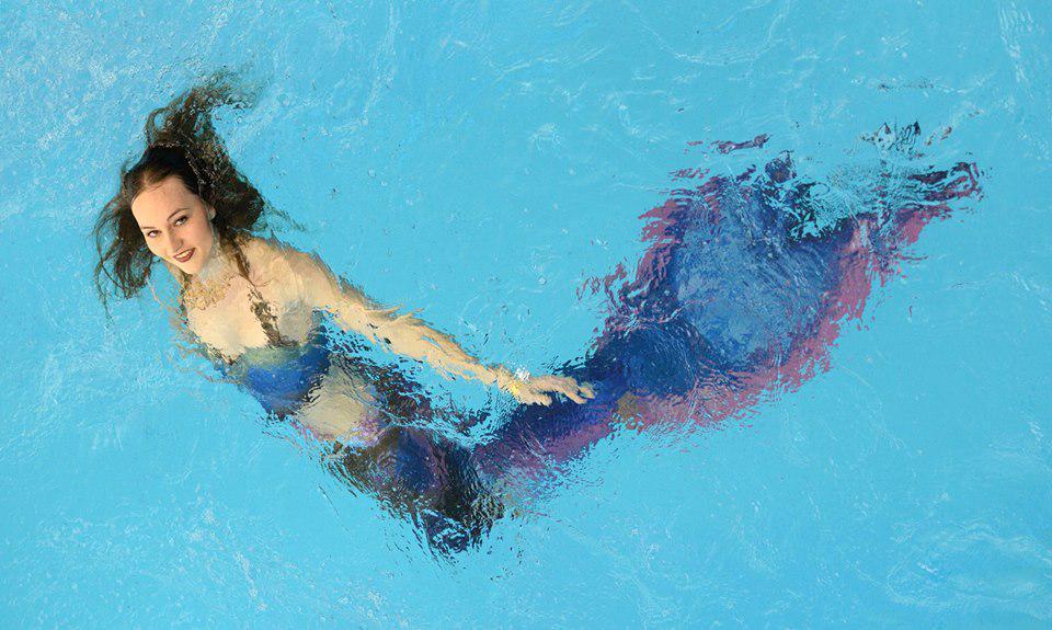 Плавание в хвосте русалки укрепляет здоровье и формирует стройную фигуру