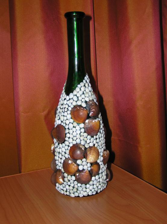 Морской декор: украшаем ракушками бутылку