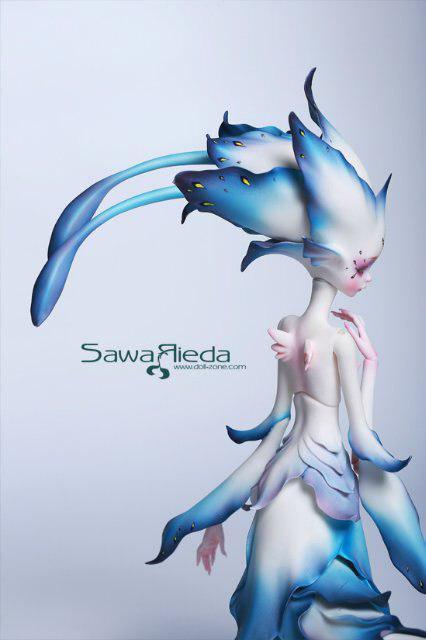 Обворожительная Саварида. На фото можно увидеть прелестные маленькие крылышки.