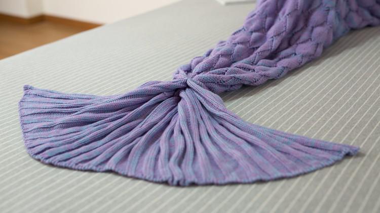вязаный фиолетовый плед хвост русалки