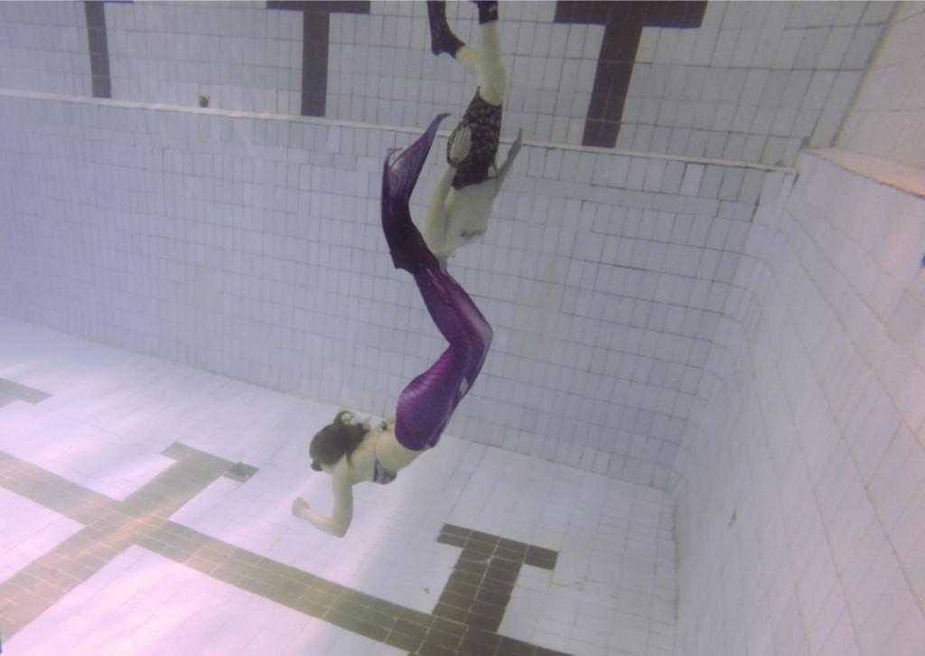 подводное плавание в хвосте русалки