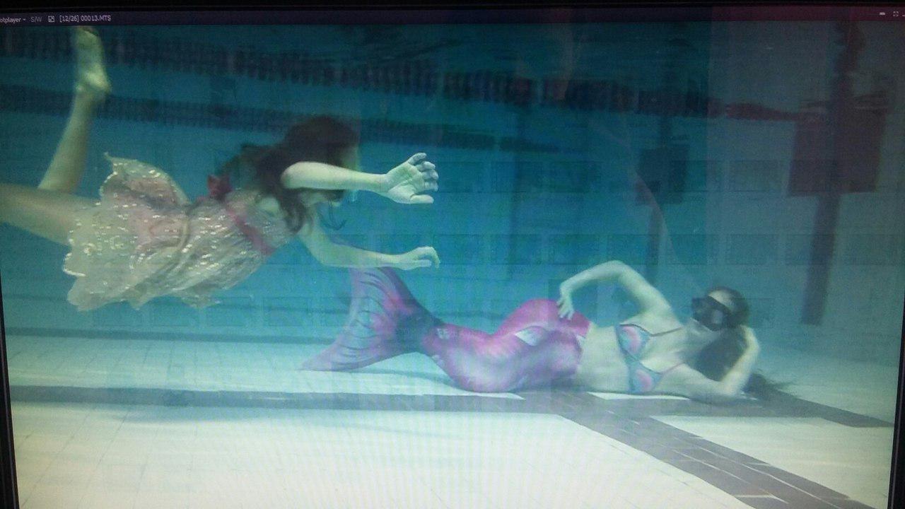 плавание в хвосте русалки под водой